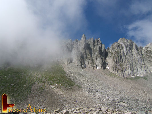 Entre Deux Roches (Massif de la Lauzière,  Savoie)
