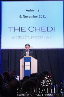 """Richtfest """"The Chedi Hotel Andermatt"""" der Andermatt Swiss Alps AG mit Samih Sawiris und Gästen. 9. November 2011"""
