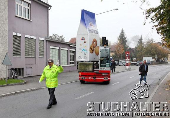 Umzug HUG WERBEBEUTEL zum neuen Fabrikladen Malters 2011