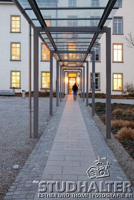 Fotos für Broschüren/Werbung/Web energo.ch by StockerDirect: Technische Bereiche der Psychiatrischen Universitätsklinik Zürich PUKZH: Heizung, Wasser, Lüftung. Architektonische Ansichten aussen und innen. 2011