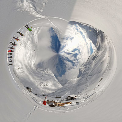 Little Planet Oberalppass mit Leuchtturm
