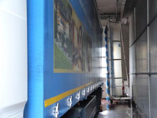 washing bay for trucks