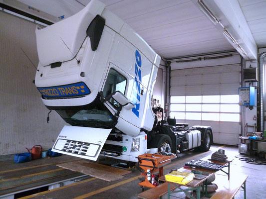 garage for trucks