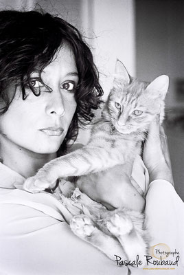 Shooting noir et blanc portrait de femme Le cannet-www.pascaleroubaud.com