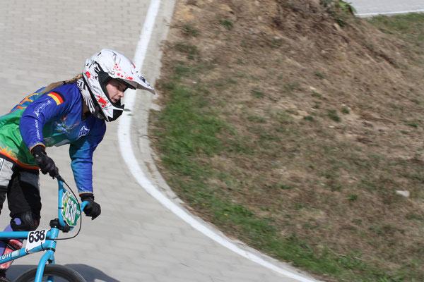 Josi Segger ist erst seit kurzem im BMX-Sport aktiv und fuhr in Leopoldshöhe ihr erstes Rennen.