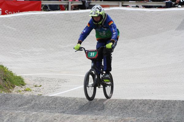 Jannik Koschan fuhr mit drei ersten Plätzen sicher ins Finale und ließ auch hier der Konkurrenz keine Chance: Platz 1 in der Tageswertung.