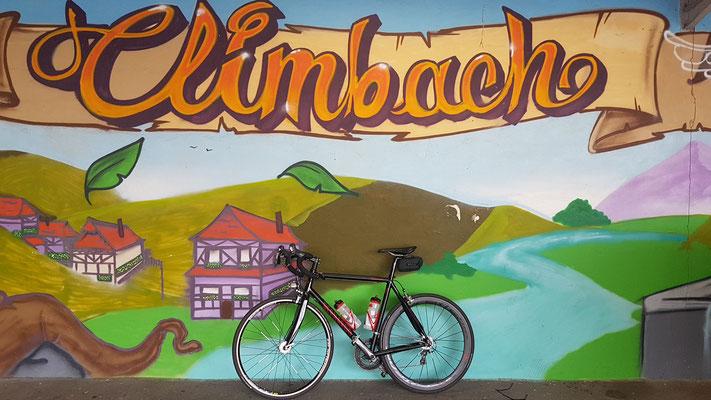 Bild von Bernd Schmidt: Hauswandmalerei im französischen Climbach
