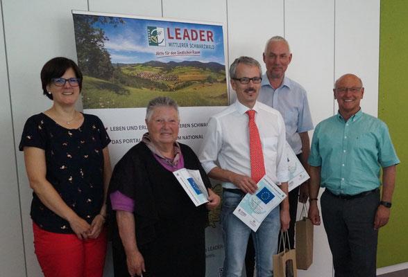 Verabschiedung der ausgeschiedenen Vorstandsmitglieder durch Hans Peter Heizmann und Julia Kiefer