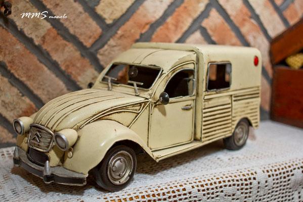 Representación furgoneta citroën