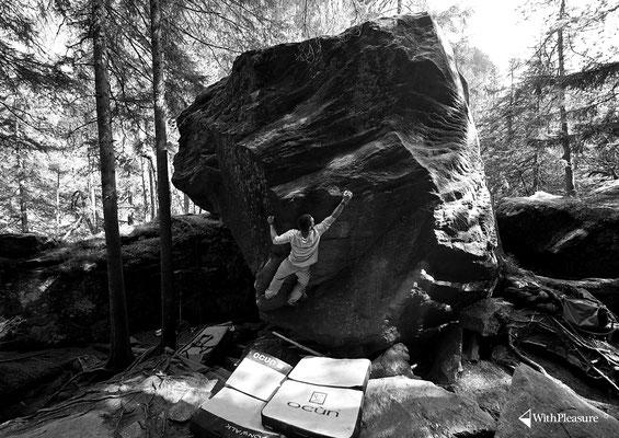 Ramun in einem unbekannten Problem, das er auch gleich löst... - Magic Wood/Avers