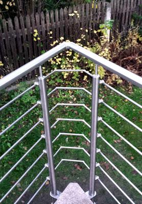 Geländer aus Edelstahl mit horizontalen Stäben