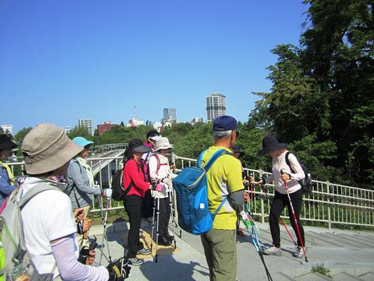 仙台市内を見渡しながら ポール練習開始