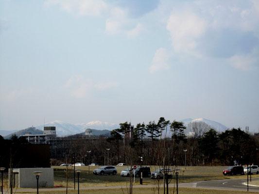 遠くの山々が見え、景色はサイコー!(^^)!