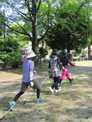 肩甲骨の意識で歩幅と上体の動きが良くなった方達