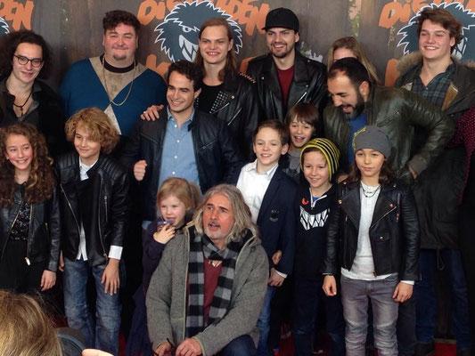 Roter Teppich Action auf der Premiere in München am 31.1.2016