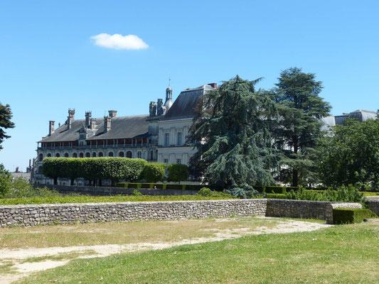 Oberhalb des Château