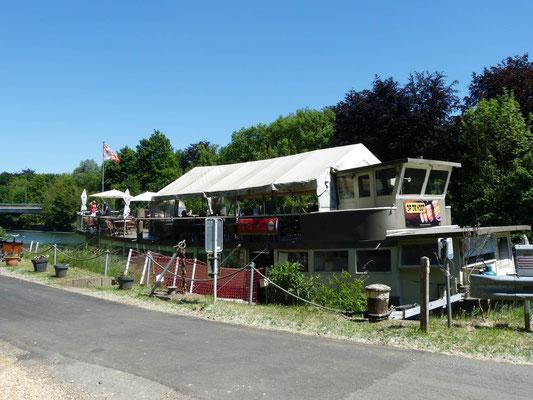 Restaurant-Boot am Radweg