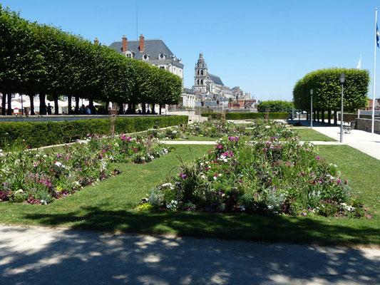 Garten vor dem Château