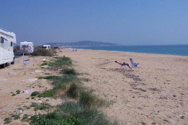 Haltebucht und Strand eng zusammen