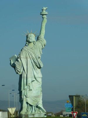 """der Sohn der Stadt hat diese Statue """"erfunden"""" - wo steht die große Ausführung??"""