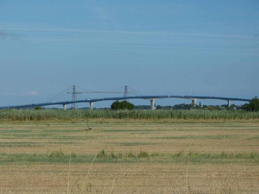 Vom SP kann man die Brücke von Rochefort sehen