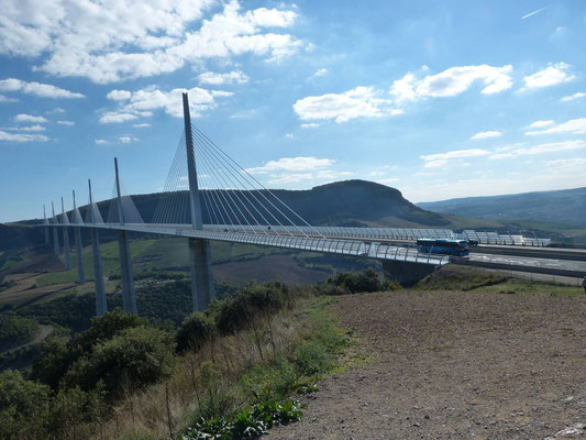 Blick auf die Brücke