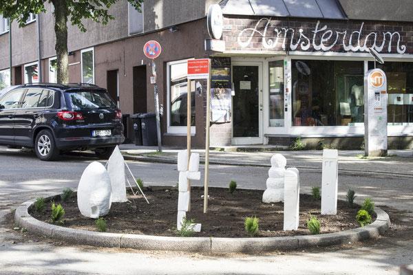 Immobilie Elfenbeinturm - Außeninstallation, 2017, Weißzement, Papier, Holz, Styropur, Marmormehl,  Durchmesser 400 cm