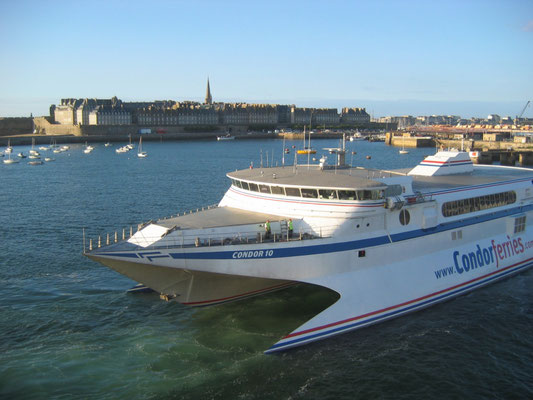 Condor 10 in Saint-Malo. Picture Antoine H.