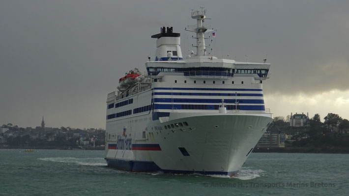Bretagne entering in Saint-Malo's harbour. Picture Antoine H.