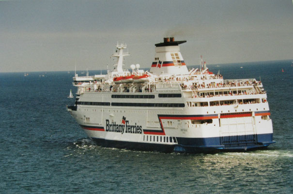 Bretagne leaving Saint-Malo in 2005. Picture Antoine H.