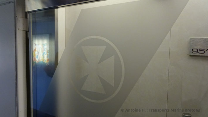 Door with DFDS' Maltese Cross. Picture Antoine H.