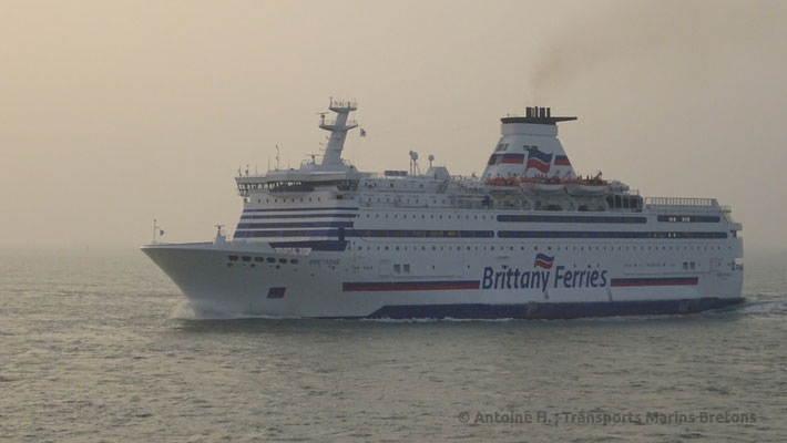 Bretagne entering Saint-Malo's harbour. Picture Antoine H.