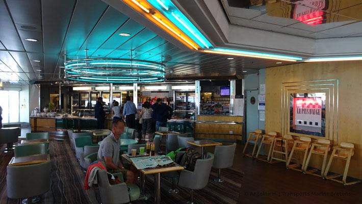 """""""Le Pays d'Aude"""", Normandie's café"""