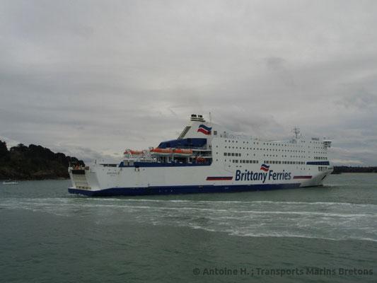 Armorique entering Saint-Malo's harbour. Picture Antoine H.