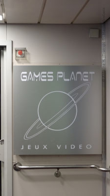 Sign at the entrance of the Games Planet