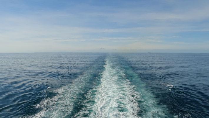 Normandie's wake