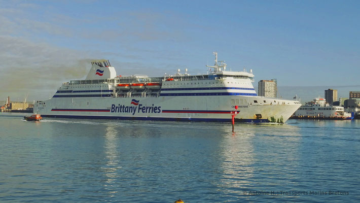 Cap Finistère leaving Portsmouth. She will be replaced with the introduction of the second E-Flexer vessel.