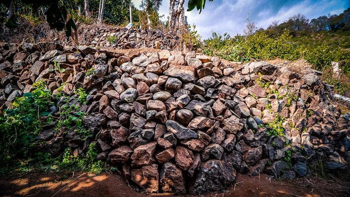 空石積み修復の風景-有田