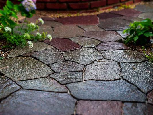 イタリア班岩のアプローチ