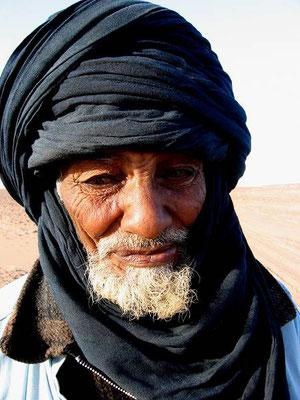 Difficile dare un'etá a questo vecchio Tumu, incontrato nell'oasi di Rebianah, in Libia