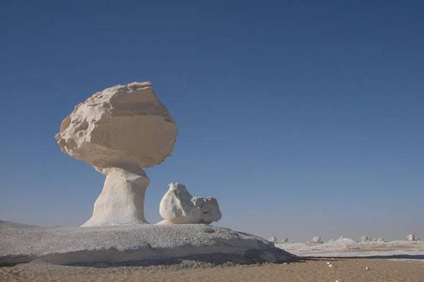 """Il """"deserto bianco tra le oasi di Farafra e Baharija"""