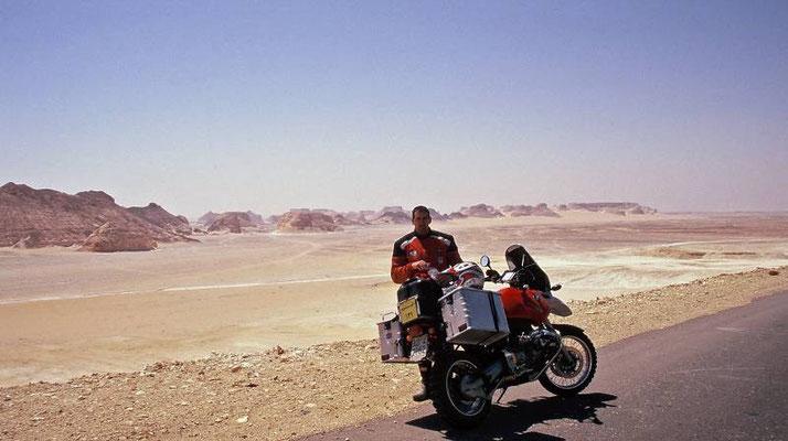 Louise IV - BMW R1100GS la mia preferita - Qui in Egitto durante il Raid 2000