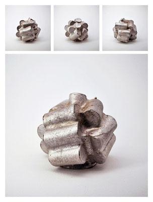 M2TXY16V758 alluminio, 8,5x8,5x10,5 cm, 2016