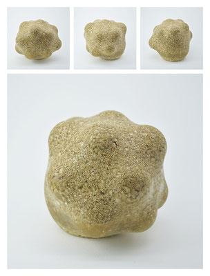 R2BXB40Y13V2197 polyester, silicon gravel, 13x13x13cm, 2013
