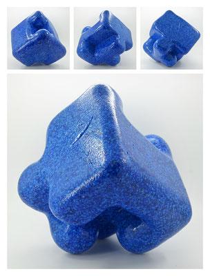 E2C60X333Y17N06 (01) epoxy resin, quartz, 19x19x19 cm, 2017