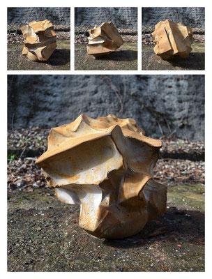 C0BXO241411Y14V36864 ciment fondu, sand, iron dust 36x32x32cm, 2014