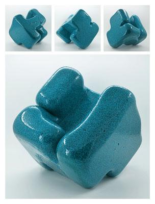 E2C60X333Y17N07 (03) epoxy resin, quartz, 19x19x19 cm, 2017