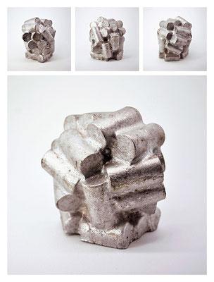 M2TXY16V1097 aluminium, 10,5x11x9,5 cm, 2016