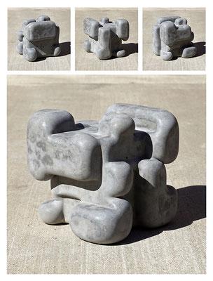 C9C50TXX444Y17NX (07) concrete, pigments, 20x20x20 cm