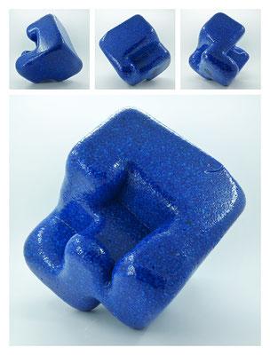 E2C60X333Y17N06 (04) epoxy resin, quartz, 19x19x19 cm, 2017